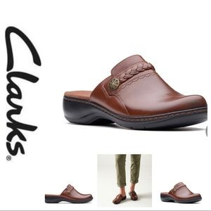 💕SALE💕Clark's Brown Leather Leisa Carly Clogs